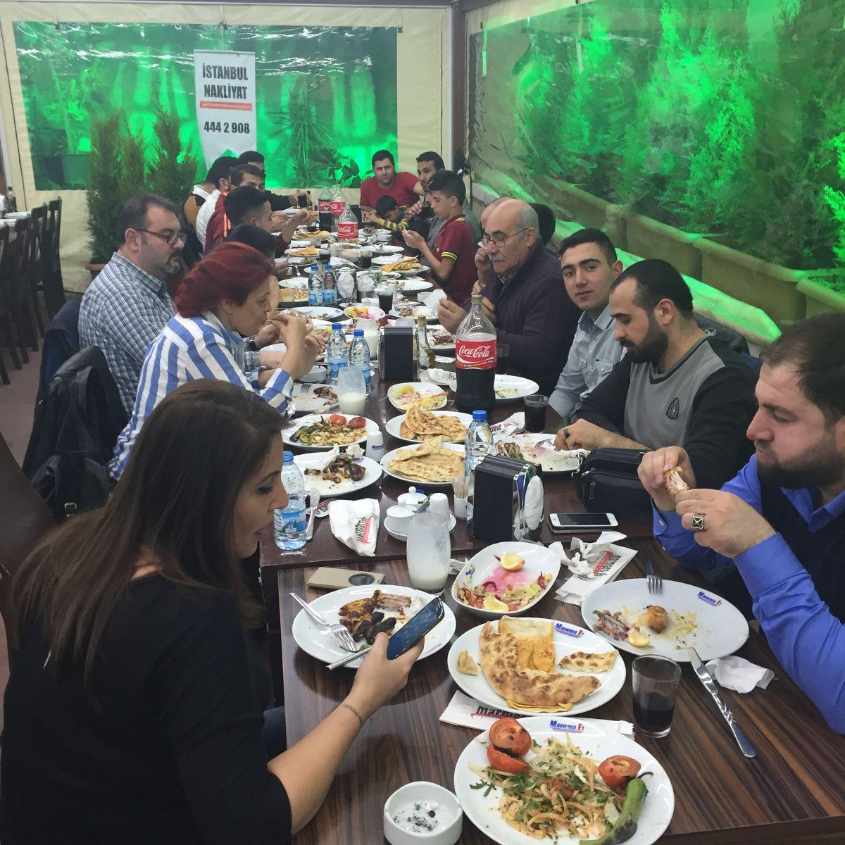 istanbul asansörlü nakliyat şirket yemeği